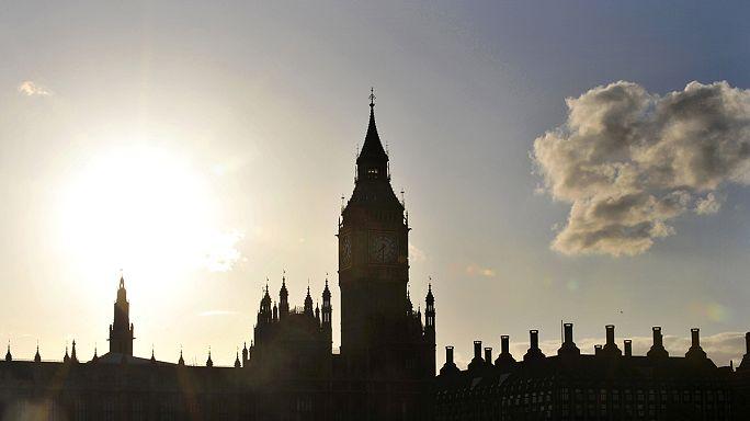 İngiltere'de seçim yarışı kızışıyor