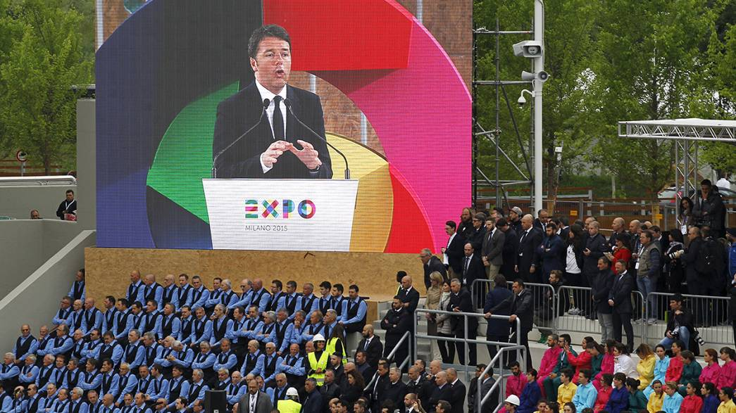 Milan Expo opens as Pope Francis warns it must 'globalise solidarity'