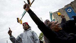 Emberölés a vád a baltimore-i rendőrök ellen