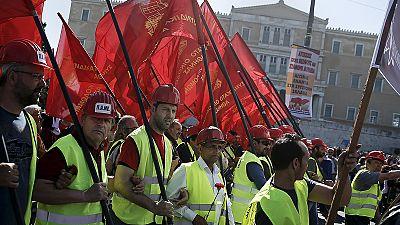 Baño de multitudes de Varufakis en el Primero de Mayo griego