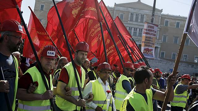 Felvonulásokkal ünnepelték május elsejét Európa szerte
