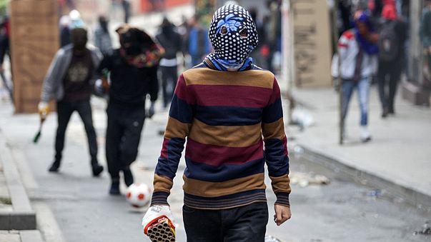 Több török városban is felvonulók csaptak össze rendőrökkel május elsején