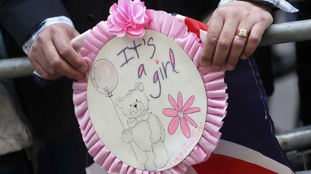 Los británicos reciben con entusiasmo la llegada de la nueva princesa