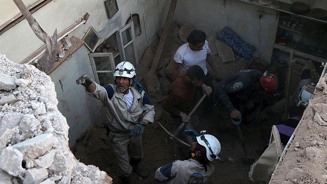 Suriye'deki hava saldırısında 52 sivil öldü