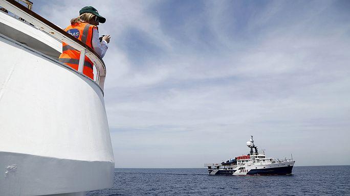 البحرية الإيطالية تعلن انقاذ أكثر من 3400 مهاجر غير شرعي في بحر المتوسط في يوم واحد