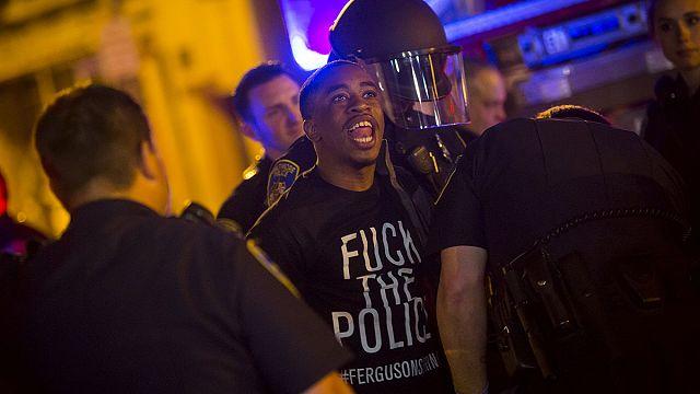 Noite relativamente calma em Baltimore