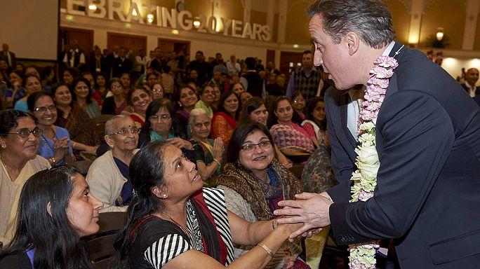 Holtverseny a brit választás kampányfinisében