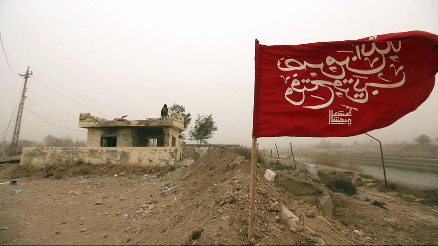 Ирак: жители багдадского квартала Каррада начали воскресенье с уборки