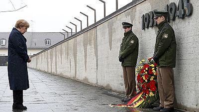"""Merkel recorda os """"horrores inimagináveis"""" infligidos pelos nazis nos campos de concentração"""