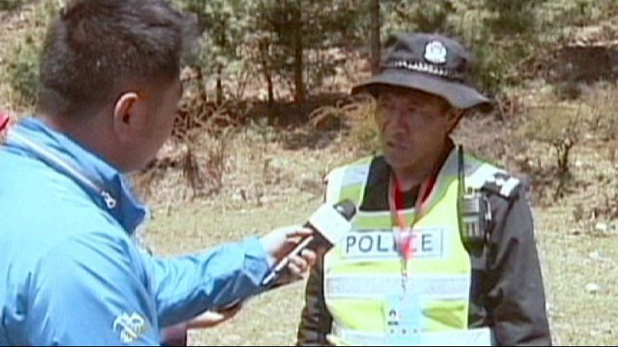 Aldeia tibetana recebe primeiras ajudas desde o sismo no Nepal