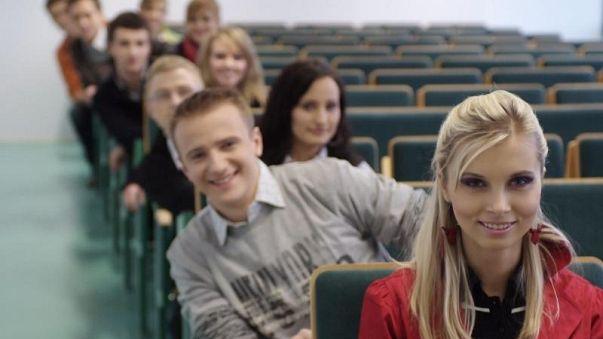 Pologne : la jeune génération est-elle une « génération condamnée » ?