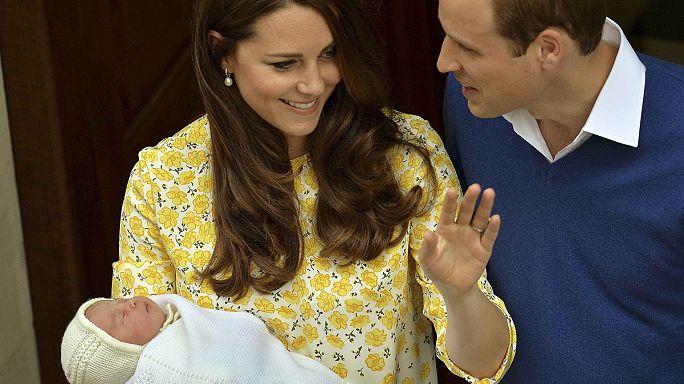 """""""تشارلوت"""" و""""اليس"""" يتصدران قائمة المراهنات حول اسم المولودة الملكية الجديدة"""