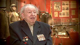 کهنه فیلمبردار جنگ جهانی دوم نود و پنج ساله شد
