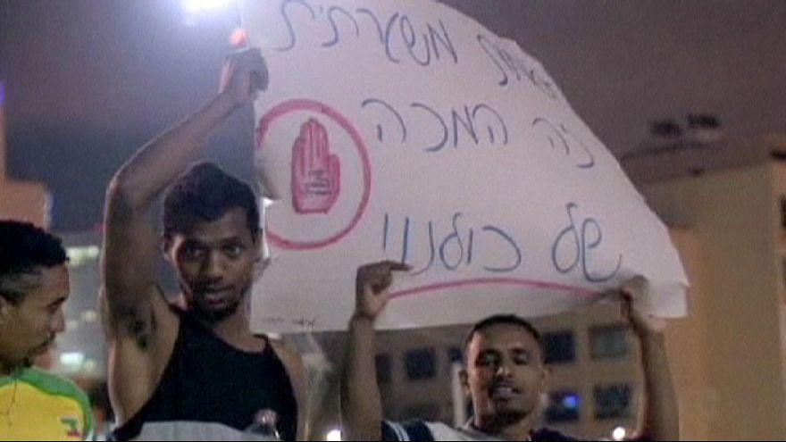 Anti-racism protest becomes violent in Tel Aviv