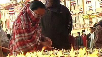 Nepal celebra su principal fiesta religiosa conmocionado tras el seísmo