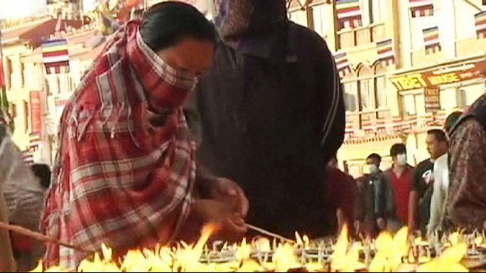 نيبال: مناسبة عيد ميلاد بوذا هذا العام تأتي و البلد في حالة حداد على ضحايا الزلزال العنيف