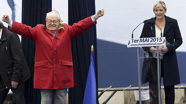 Ulusal Cephe'nin kurucusu Le Pen'in onursal başkanlığı askıya alındı