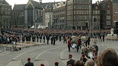 Dutch royal couple honour WW II dead