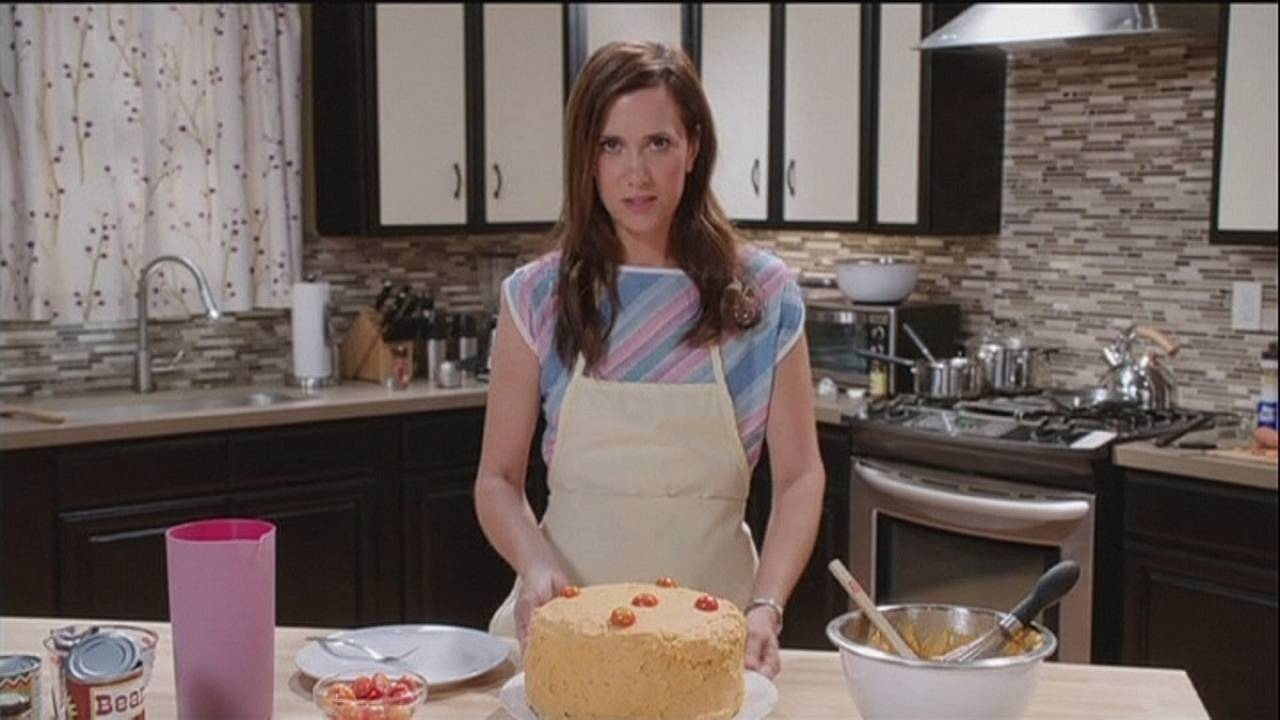 Kristen Wiig explores bipolar absurdity in 'Welcome to Me'