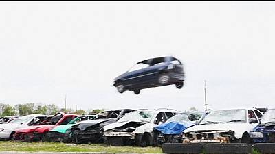 Car jumpers compete in English countryside – nocomment