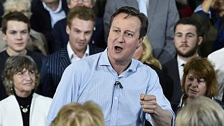 Legislativas britânicas: Conservadores e trabalhistas queimam últimos cartuxos