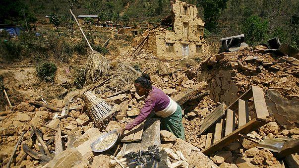 """""""Nepal'deki deprem 700 atom bombası gücünde"""""""