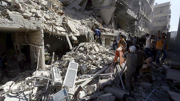 """Regime sírio acusado de """"crimes contra a humanidade"""" em Alepo"""
