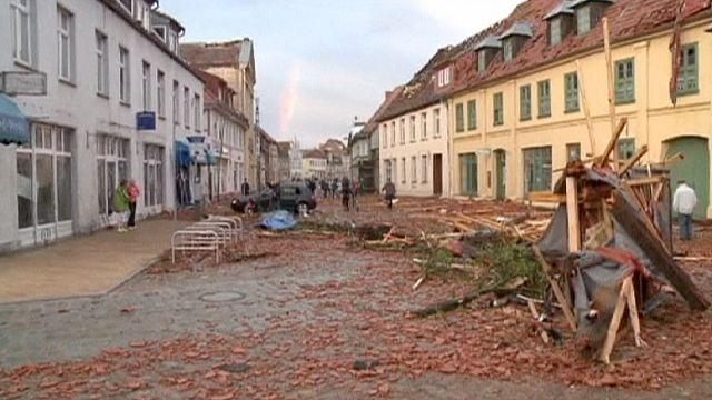 Almanya'nın kuzeyini kasırga vurdu