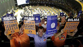 Brasile, nuove proteste contro Dilma Rousseff- Decine di migliaia chiedono le dimissioni del Presidente