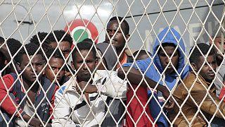 نجات بیش از ۶۰۰ مهاجر غیرقانونی در مدیترانه طی دو روز، ایتالیا منتقد شرکای اروپایی