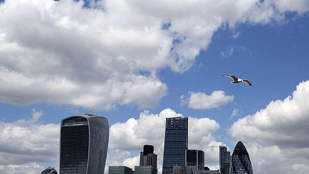 Mixed news on UK economy on election eve