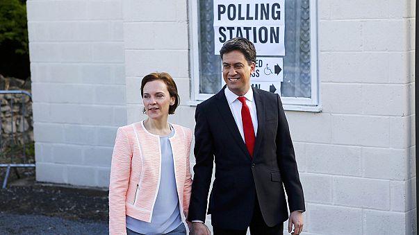 Les électeurs britanniques aux urnes !