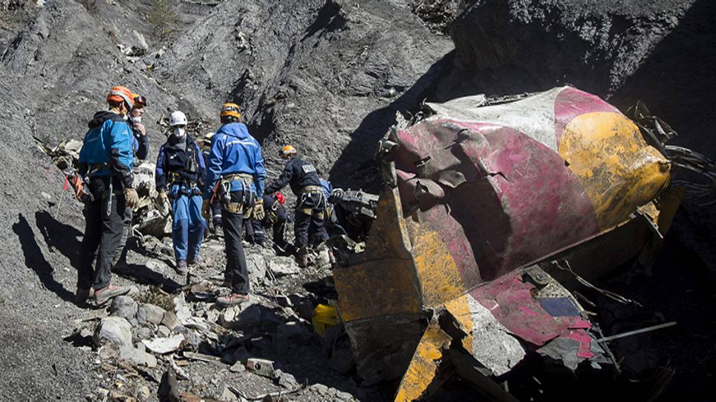 Germanwings pilot's 'preparations' for fatal crash went unnoticed