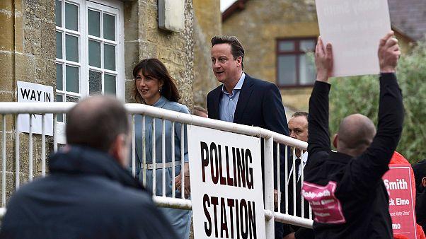 Cerca de 45 milhões de eleitores decidem futuro do Reino Unido