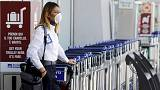ايطاليا تعيد فتح المطار الرئيسي بروما بعد السيطرة على حريق ضخم