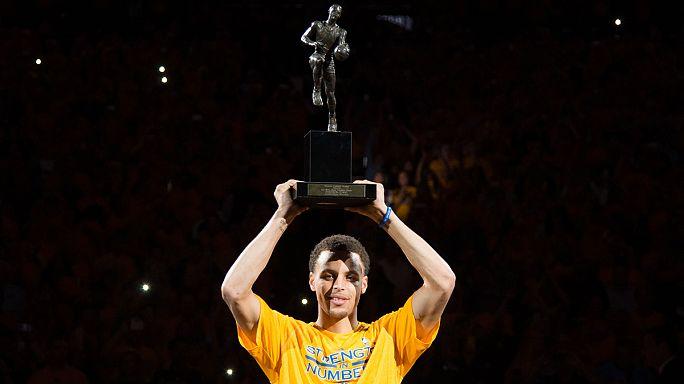 Sports United: Stephen Curry NBA'in en iyisi, Masa tenisinin en iyisi Ma Long oldu, Yunanistan 2004 Atina Olimpiyatları mağduru...