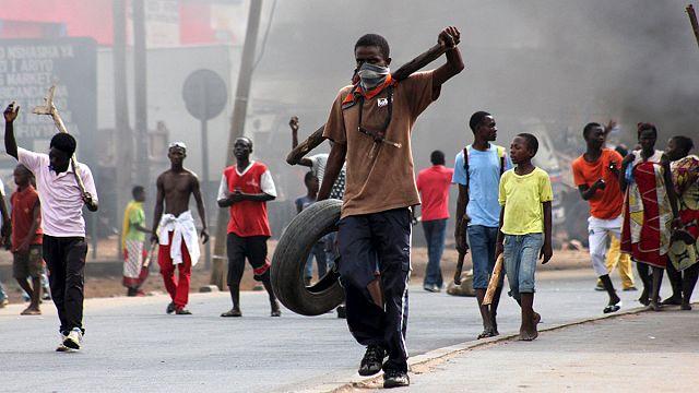 Burundi'yi iç savaş korkusu sardı