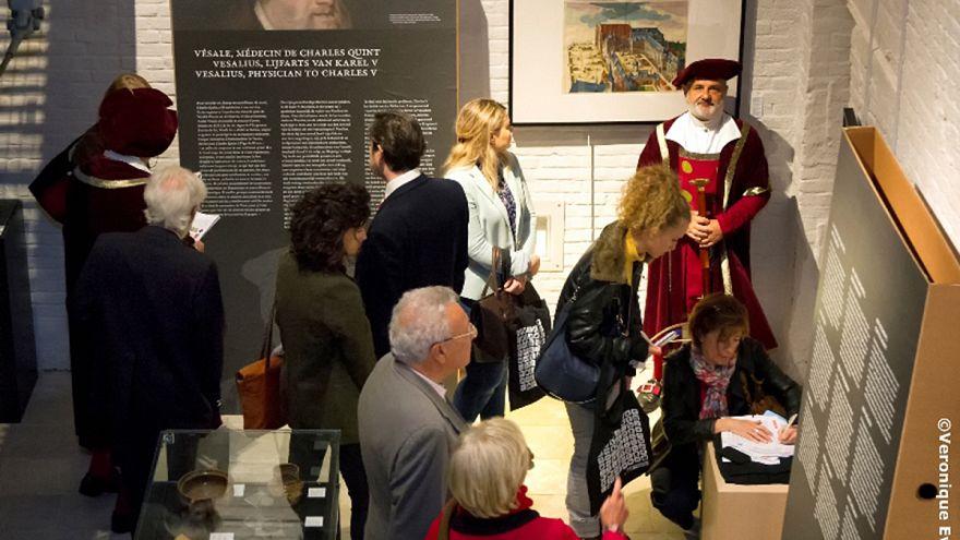 Bruselas homenajea a Vesalio, médico del emperador Carlos y padre de la anatomía moderna