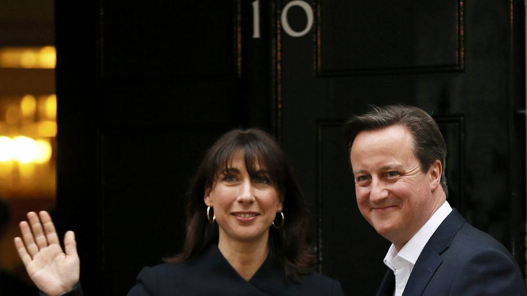 David Cameron reconduit, Ed Miliband jette l'éponge
