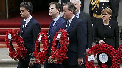 Cameron, Miliband y Clegg, juntos en el acto del Día de la Victoria