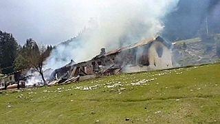 Pakistan'da yabancı diplomatları taşıyan helikopter düştü: 7 ölü