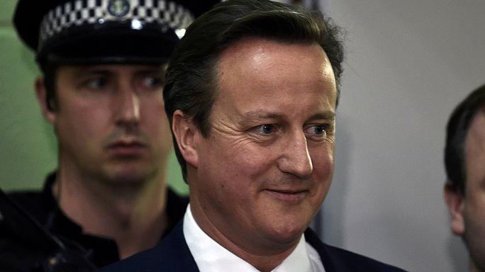 Cameron ragaszkodik az EU-tagságról szóló referendumhoz