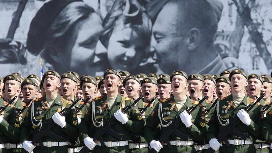 1945-2015: 14 millió halott szovjet katona emlékének követel tiszteletet az orosz államfő