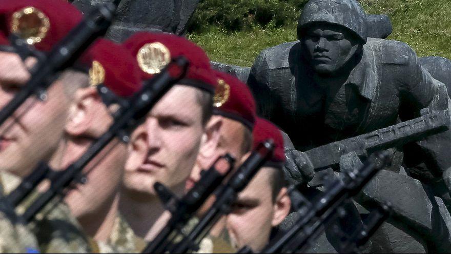 Eltérő üzenetek az ukrán kormány és az orosz szeparatisták győzelem napi ünnepségén