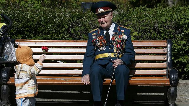 Russia pays tribute to its veterans