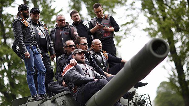 Putyin Éjszakai Farkasai Berlinben emlékeztek