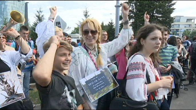 Romanya'da binlerce kişi orman katliamına karşı yürüdü