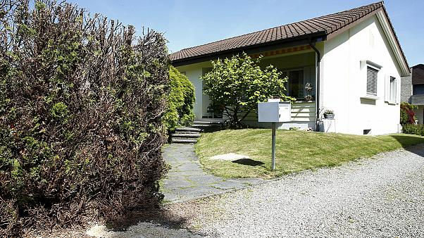 Suspected killer among 5 dead in Swiss family shooting