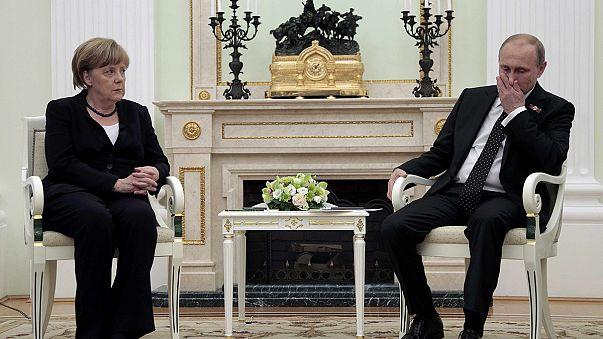 "Mosca, Merkel a Putin: ""L'obiettivo è l'integrità territoriale dell'Ucraina"""
