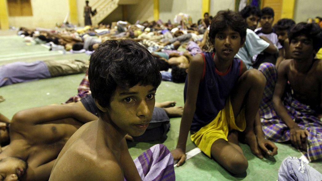 انقاذ سفينة مهاجرين على متنها 400 مهاجر قبالة اندونيسيا